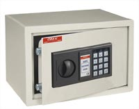 Оружейный сейф (шкаф) ONIX LS20